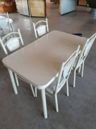 Mesas de 4 ou 2 lugares