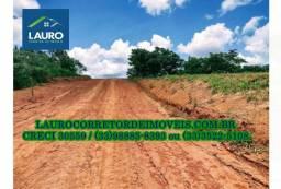 Vende-se 02 terrenos na entrada do Loteamento Colinas do Ipiranga