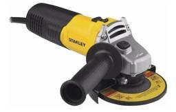 """Esmerilhadeira angular 4.1/2"""" 600 watts rotação de 12.000 rpm STGS6115 da Stanley"""