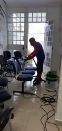 Cadeiras sujas eliminamos TODA sujeira empreguinada.