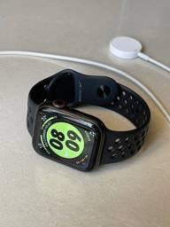 Apple Watch Series 5 44mm Nike GPS + CELLULAR
