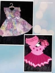Dois vestidos de menina