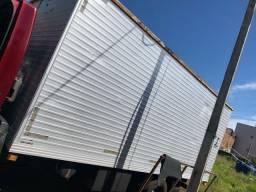 Título do anúncio: Baú caminhão 5.50 R$ 8.000