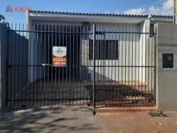 Casa com 3 dormitórios, sendo uma suíte para alugar, 80 m² por R$ 1.100/mês - Jardim Indep