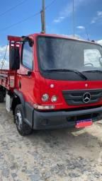 Caminhão Accelo 815 2016
