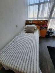 Cama com cama auxiliar baú e gavetas