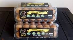 Ovos frescos tipo caipira! Gema Raiz!