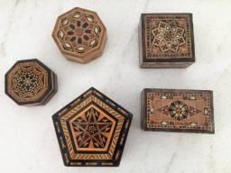 Conjunto de cinco caixas em madeira made in Syria