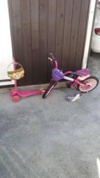 patinete e bicicleta infantil de menina  + pia que sai água de verdade