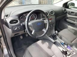 focus sedan 12