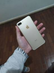 iPhone 7 plus Dourado
