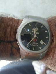 Relógio edição comemorativa Toyota personalizado.