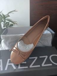 Título do anúncio: Sapatilha Bege Arezzo - NOVA