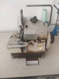 Máquina de costura Overloque com mesa