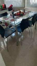 mesa  retangular de vidro  sem defeitos com 6 cadeiras semi novas
