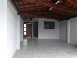Casa com 3 dormitórios para alugar, 72 m² por R$ 1.300,00/mês - Chácara do Visconde - Taub