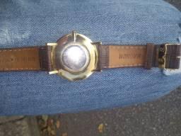 Relógio magnum semi novo