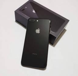 iPhone 8 Plus de 64gb, SEMINOVO com caixa e acessórios