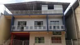 Vendo casa com apartamentos no Bethânia em Ipatinga-MG.
