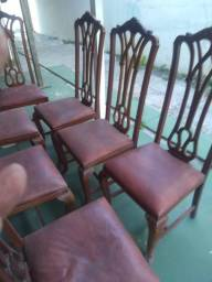 8 Cadeiras de mogno