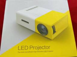 Projetor Led Yellow Novo - R$ 190,00
