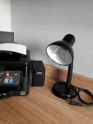 Luminária preta para quarto ou escritório