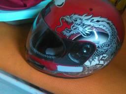 Vendo ou troco por celular 2 capacetes