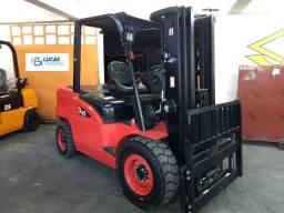 Empilhadeira Diesel   4,5 toneladas   Torre Triplex   Nova