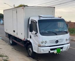 Caminhão Mercedes Bens Accelo 915C