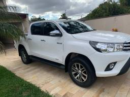 Toyota Hilux Cabine Dupla srv 2.8 4P