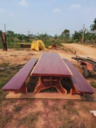 Mesa em madeira Roxin