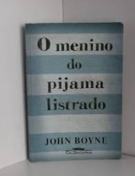 """Livro O Menino do Pijama Listrado - John Boyne"