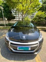 Peugeot 208,Veículo bem conservado de garagem ... segundo dono .