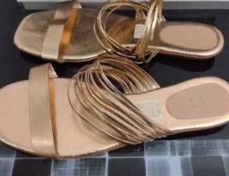 Título do anúncio: Roupas e sandália