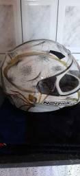 Vendo capacete em perfeito estado, n° 58