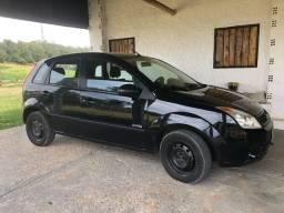 Vendo Ford Fiesta 1.0, flex. Carro completo