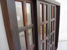 Janela de Madeira Imbuia com vidros