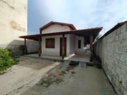 Casa com 3 dormitórios para alugar por R$ 650,00/mês - Alto Caiçara - Guanambi/BA