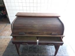 Escrivaninha antiga xerife