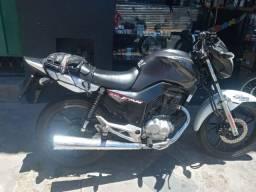 Título do anúncio: Vendo fan 160 ano 18 19 moto contem as asas laterais 73mil rodados  troco  por menor valor