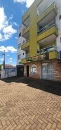 Título do anúncio: Apartamento com 2 dormitórios para alugar, 52 m² por R$ 700,00/mês - Recanto Tropical - Ca