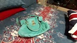 Bolsa azul turquesa toda boa ( Só vendo)