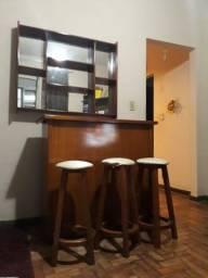 Barzinho com jogo de 3 cadeiras