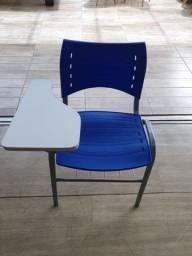 Título do anúncio: Cadeira azul universitária - 85$ cada