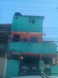 Alugo casa 2 andares 2 banheiros