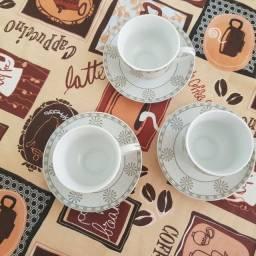 Jogo de xícara de café