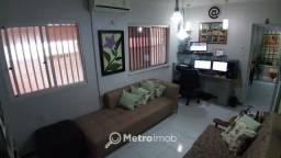 Título do anúncio: Casa de Conjunto com 3 quartos à venda, 196 m² por R$ 380.000 - Vinhais