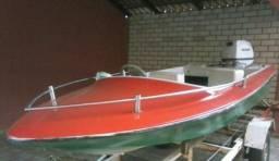Vendo ou troco lancha. c/ carreta ( motor volvo penta 50 hp ) fotos no zap. (61)99851-1799 - 2000