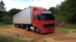Volvo fh com carreta bau - 2010