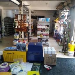 Vende-se estok de loja mais gôndolas e algumas partileiras e outros acessórios !